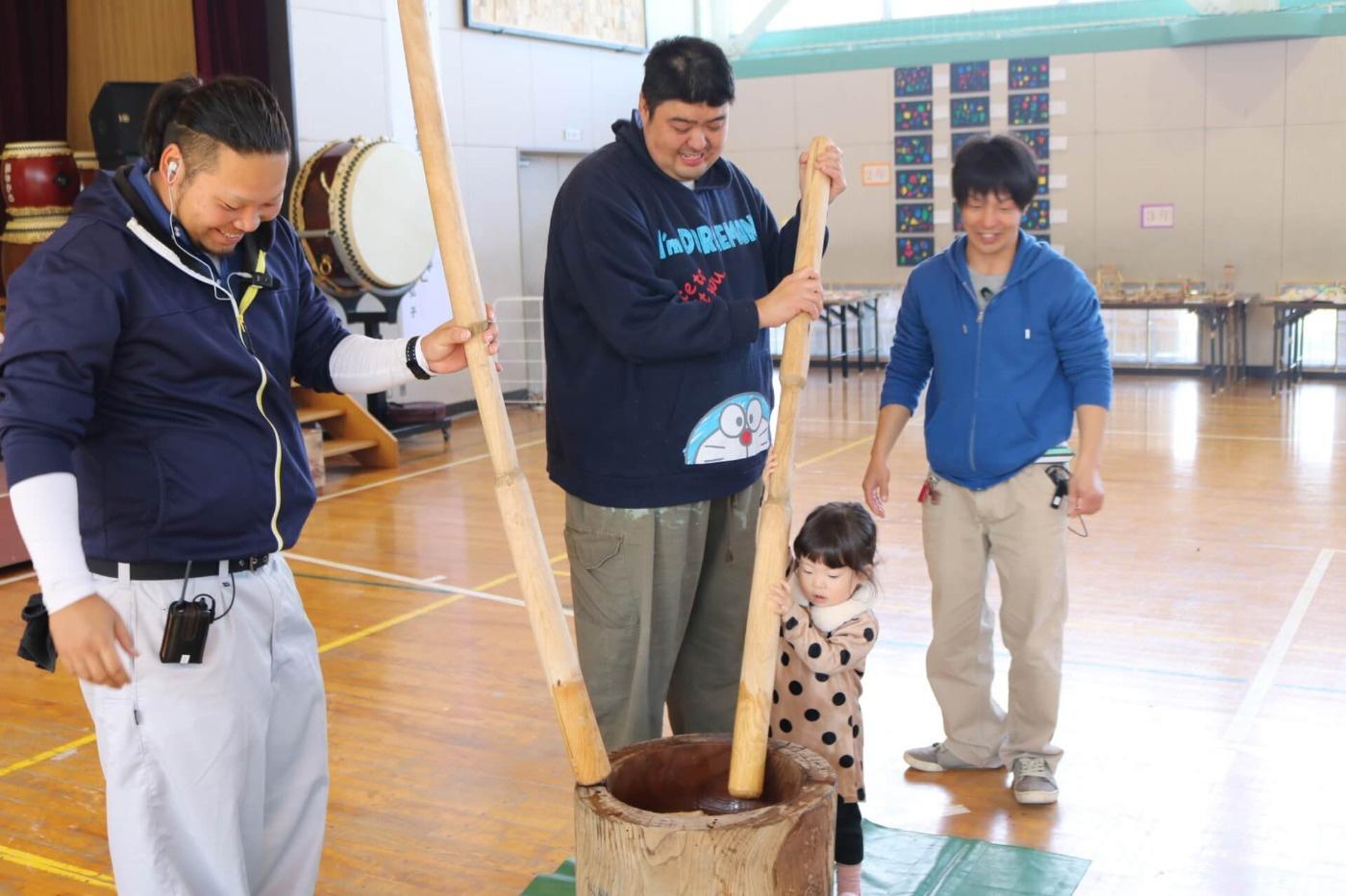 吉島ふれあい祭2019:餅つきの様子