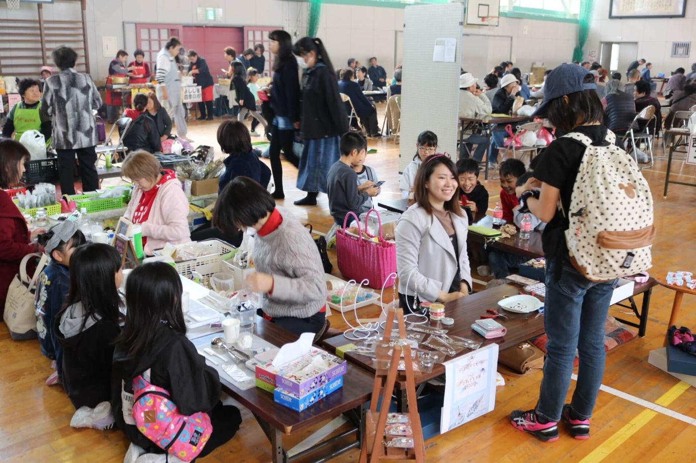 吉島ふれあい祭2019:フリーマーケットの様子