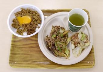 写真:完成したメニュー3品(キーマカレー、鶏肉とキャベツのにんにく醤油炒め、麻婆茄子)