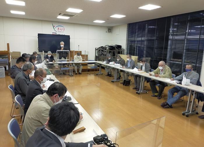 写真:吉島地区要望請願等委員会議の様子
