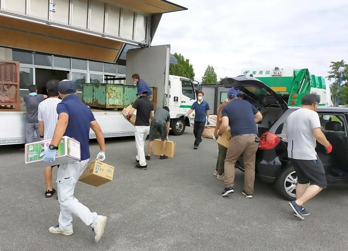写真:吉島地区資源ごみ回収の様子